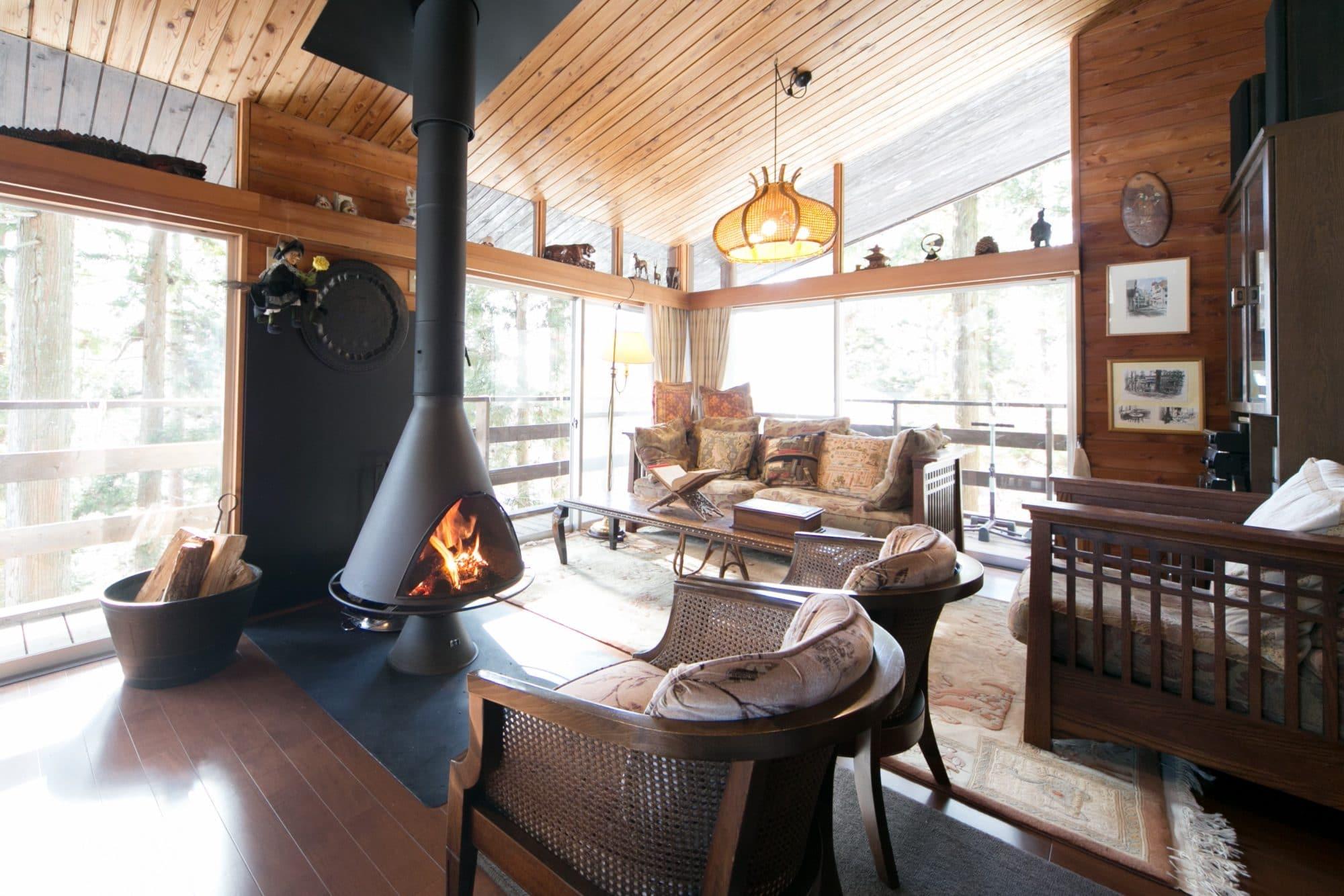 軽井沢の寒さも暖房器具と《psヒータ》の併用で小さい部屋も暖かく快適に